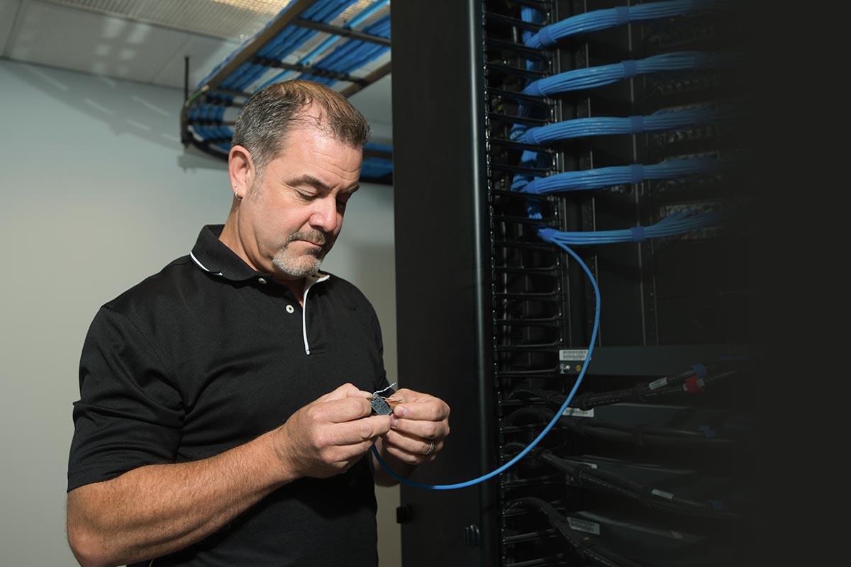 tech-service-maintenance-1200x800